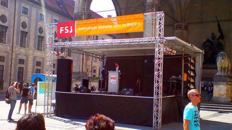 Livebühne Vermietung Verleih: Freiwilliges soziales Jahr Bayern FSJ