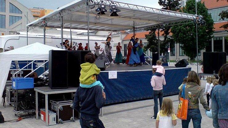 Livebuehnen Verleih Veranstaltungstechnik PA Ton Licht
