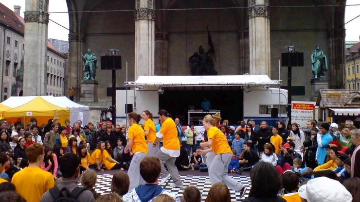Tourbühne Odeonsplatz München Verleih Veranstaltungstechnik
